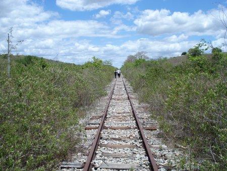 Resultado de imagem para Estações abandonadas em Sergipe fotos