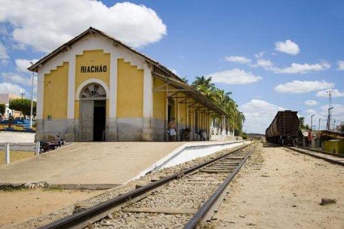 Resultado de imagem para estação ferroviaria de riachão