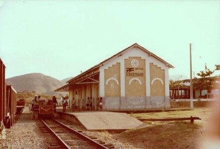Resultado de imagem para estação de ferrovia em capistrano