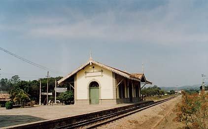 Resultado de imagem para salvador estação de trem de Santa Luzia