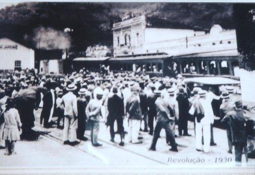 banco de ferro para jardim rio de janeiro:Bom Jardim — Estações Ferroviárias do Estado do Rio de Janeiro