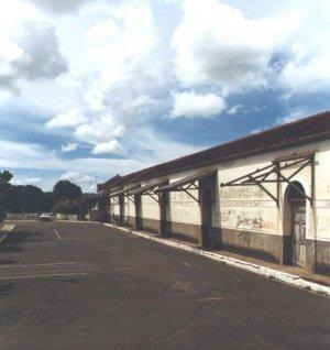 Fachada da estação, em janeiro de 2001. Foto Antonio A. G. Mietto