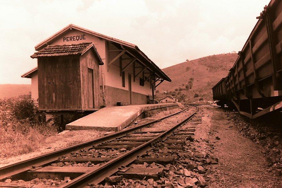 Resultado de imagem para Estação Ferroviária do Perequê