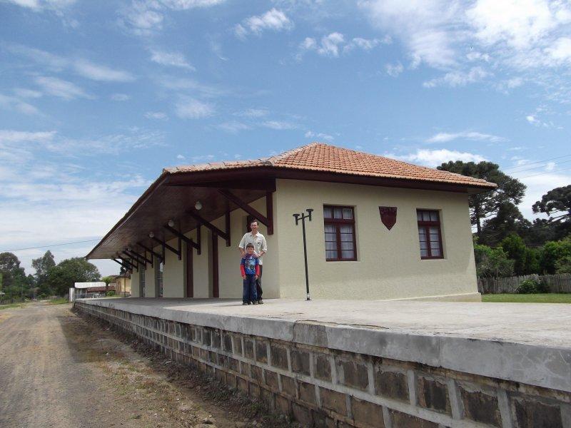 Paulo Frontin Paraná fonte: www.estacoesferroviarias.com.br