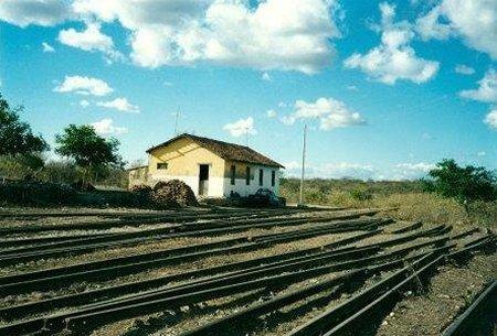 Resultado de imagem para Estações abandonadas da Paraíba fotos